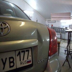 Ремонт крышки багажника Toyota: до